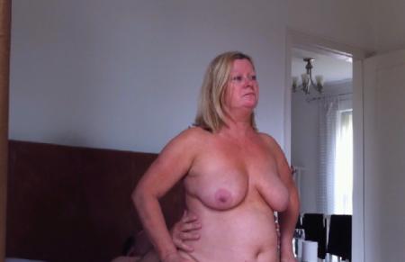 man vrouw seks uitkleden voor de camera
