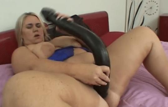spullen voor sex dikke dildo in kut