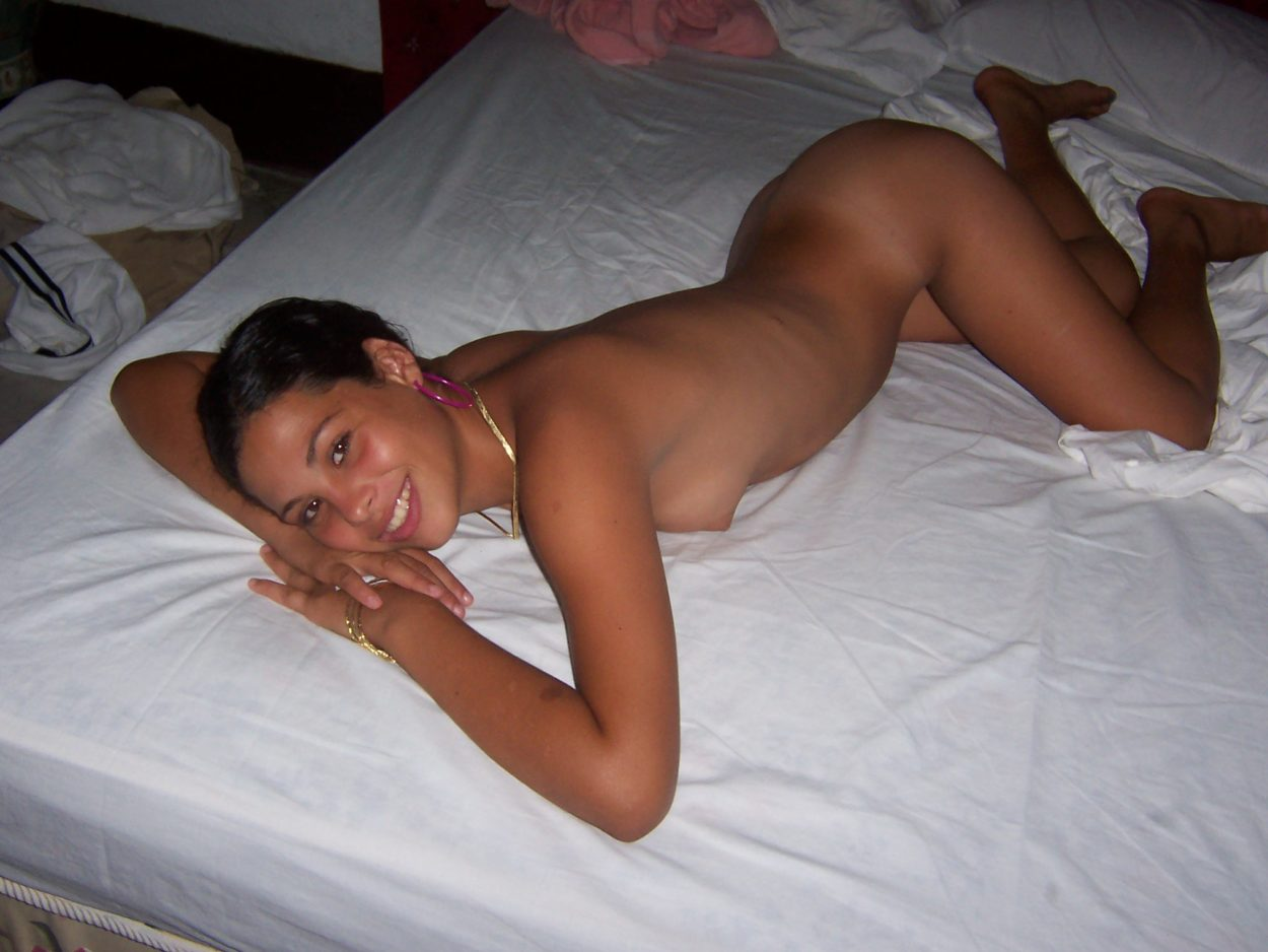 Latina enjoys fucking by the pool