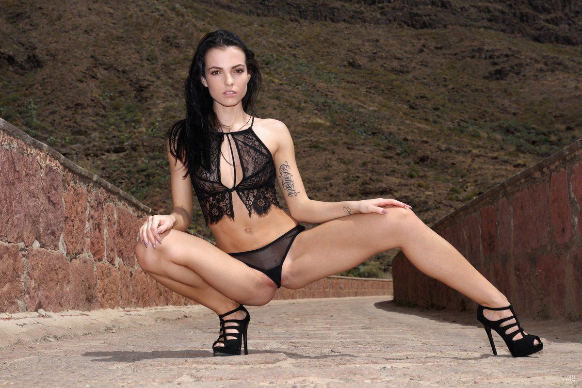 Sapphira nude photo