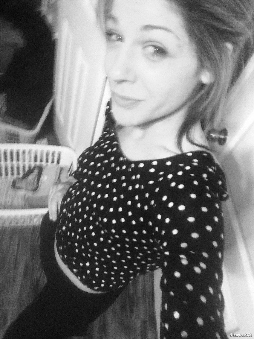 selfie-queen63