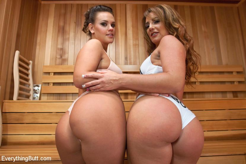 Savannah Fox & Roxy Raye anal porn