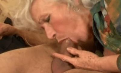 meisje pijpt opa sensuele massage nijmegen