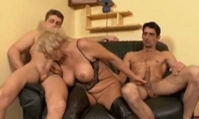 kostenlose Oma Dildo Porno
