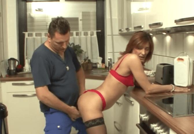 Loodgieter MILF Porn