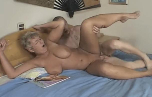 Mama sex verhalen MOM AND